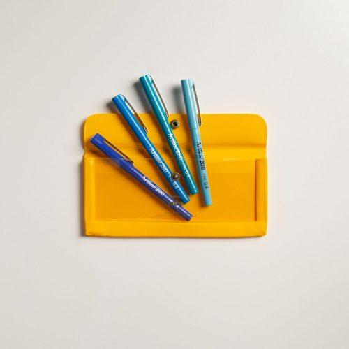 Set porta penne giallo