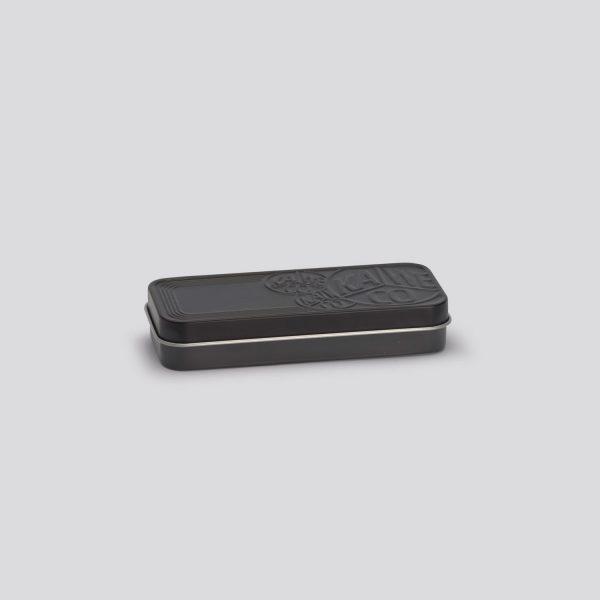 Scatola di metallo nera per penne e matite Kaweco Sport - piccola chiusa